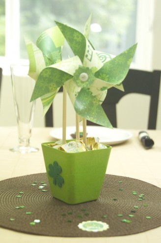 St. Patty's day pinwheel centerpiece